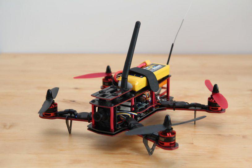 Quadricoptère de course (FPV racing)
